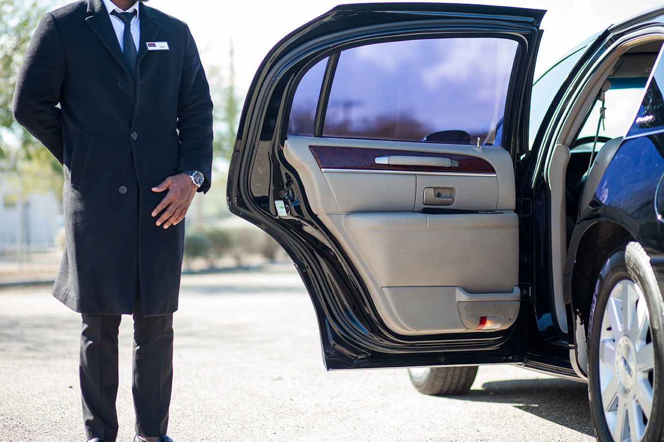 High Quality Airport Limousine Services and Moving Services