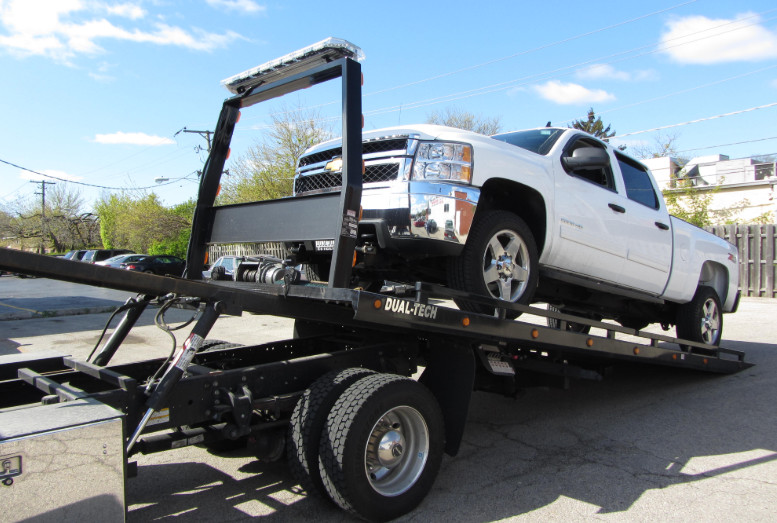 Reliable and Affordable Towing and Road Side Assistance Services